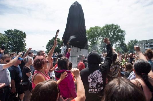 cornwallis-statue-protest-20170715.jpg